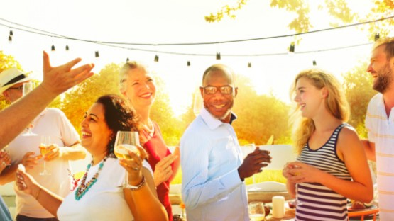 Mastering the Art of Socializing at Large Expat Events