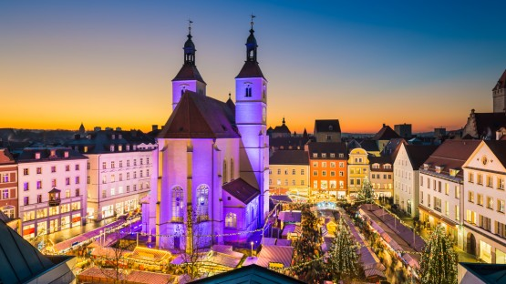 The Christmas Markets in Regensburg — The Must Do's, Sees, and Eats