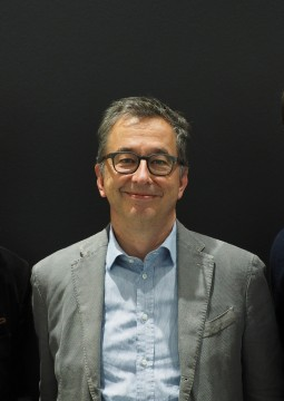 InterNations Founders & Co-CEOs Philipp von Plato (left) and Malte Zeeck (right) with XING CEO Thomas Vollmoeller (center)