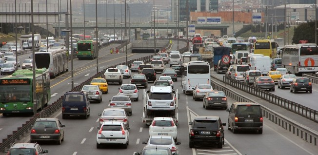 Congestion is not the only thing expats have to cope with when driving in Turkey — the driving style also takes getting used to.