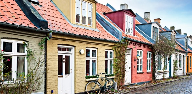 In smaller towns, most Danes prefer to live in houses.