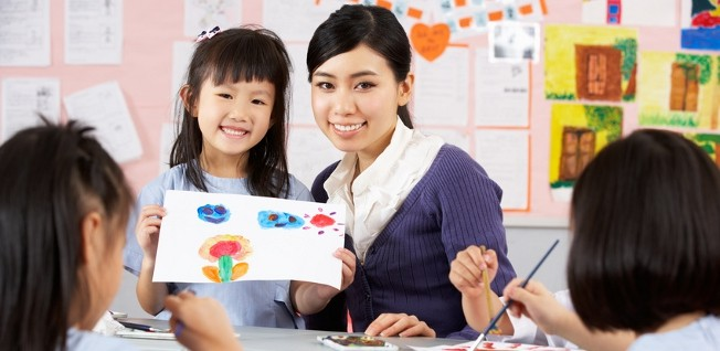 While childcare options are abundant in Hong Kong, parental benefits are rather slim.