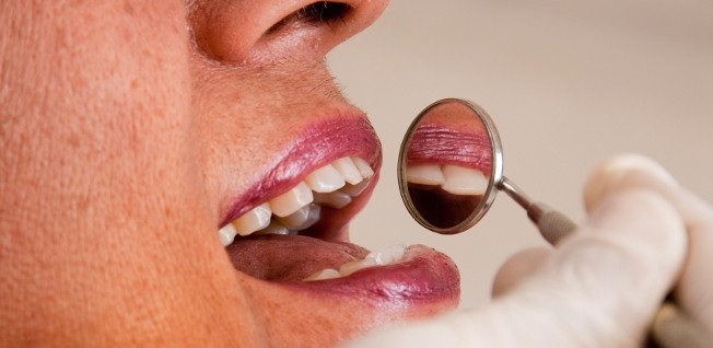 In order to see a dentist in Hong Kong, you need to contact a private practitioner and make an appointment.