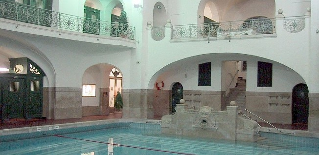 """The """"Müllersches Volksbad"""" in Munich, with its art-deco interior, is one of Germany's most beautiful indoor pools."""