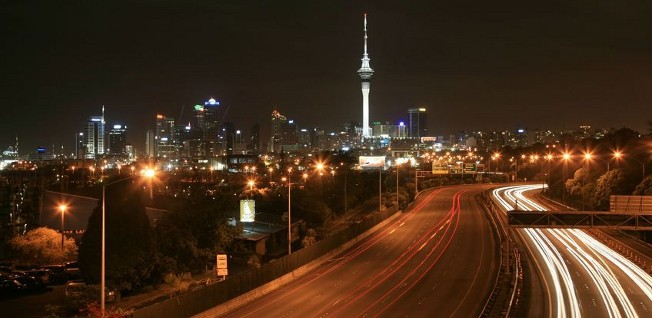 The road infrastructure in New Zealand is well developed — not only in large cities such as Auckland.