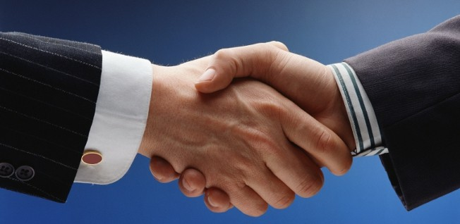 One option for working for yourself in the UK is to establish a business partnership.