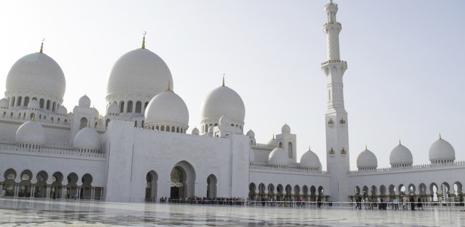Abu Dhabi's Sheikh Zayed Grand Mosque is a truly impressive sight and the UAE's largest place of worship.