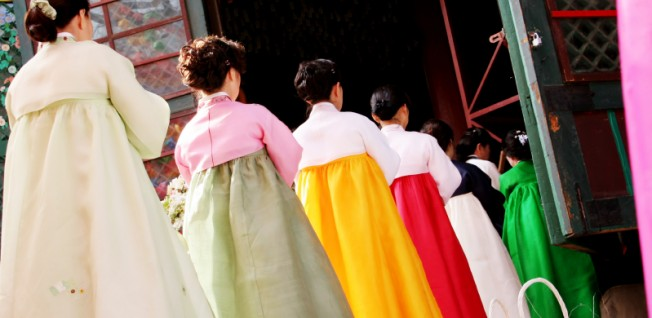 Many high school classes in Korea are divided by gender.