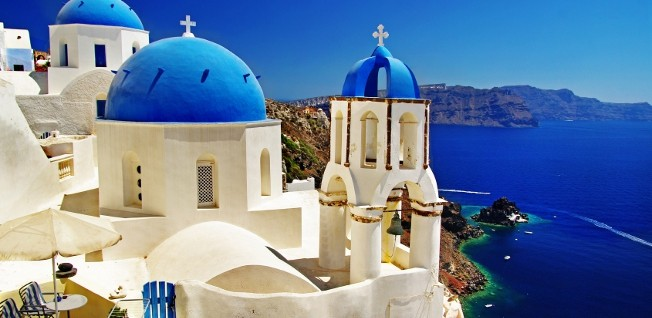 The beautiful Greek islands are an incentive for many expats to settle in Greece.