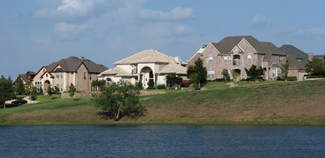 In some neighborhoods in Dallas, you can lead a luxurious life by the river.