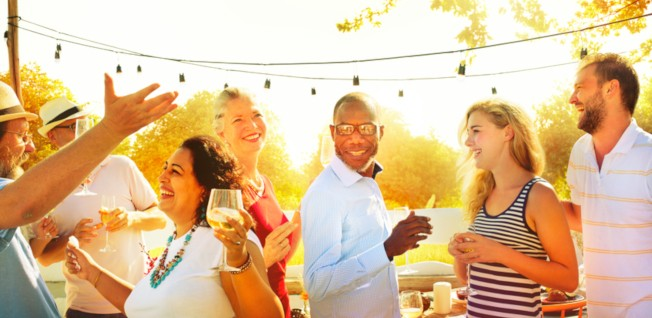Mastering the Art of Socializing at Large Expat Events | InterNations