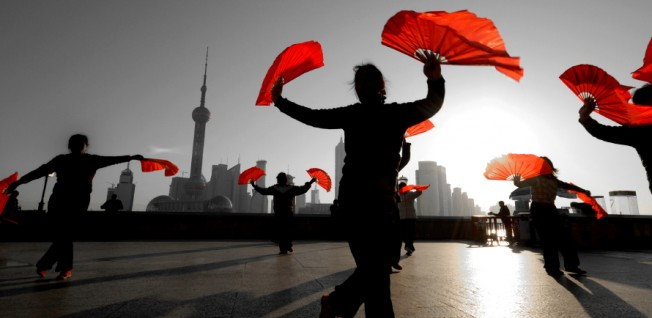 Chinese traditions and colonial heritage are both found at the Shanghai Bund.