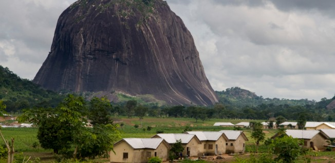 Beautiful sights are to be found even near the larger cities, such as Zuma Rock, which is 55km west of Abuja.