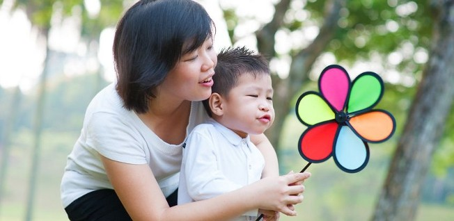 There are lots of childcare centers in Singapore which cater exclusively to working parents.