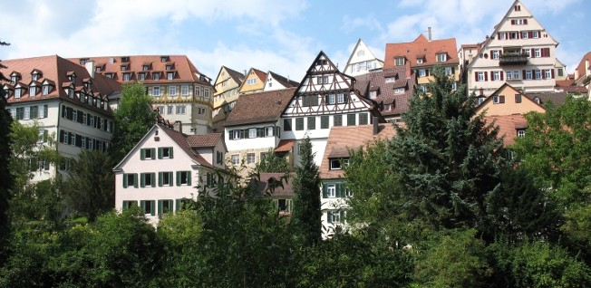 In German cities, most people live in rental apartments.