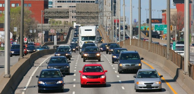 Partaking in Montréal's rush hour traffic can be rather stressful.