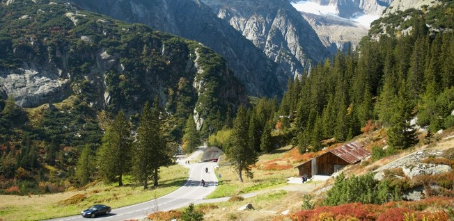 Driving in Switzerland gives you the opportunity to enjoy the awe-inspiring Alps at your own leisure!