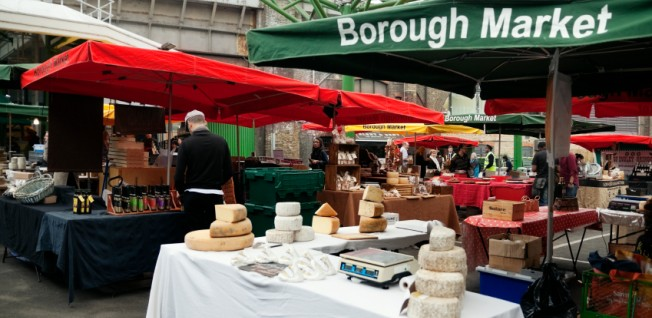 London is a shopper's paradise: Foodies will especially enjoy its many markets!