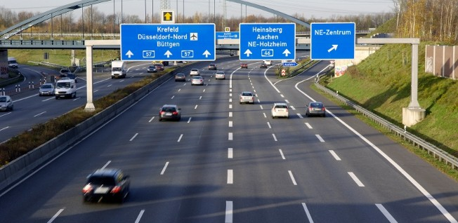 The German expressways (Autobahn) form the third largest road network of this kind worldwide - after the US and China.
